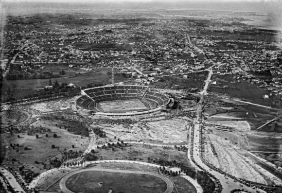 El Estadio Centenario el día de su inauguración