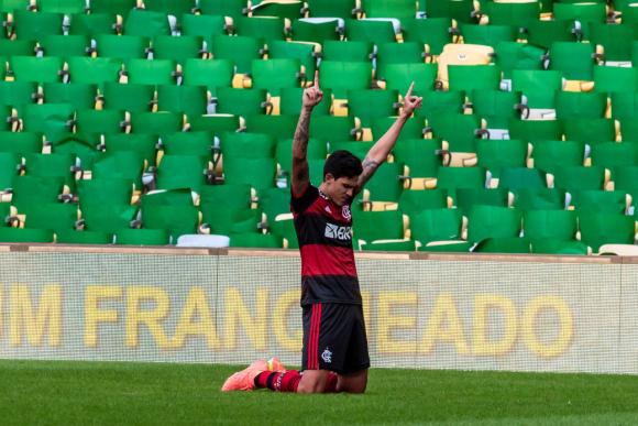 Pedro celebra el tanto de Flamengo frente a Fluminense. Foto: @Flamengo.