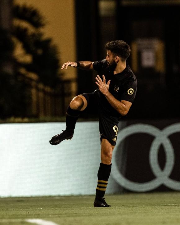 Diego Rossi celebrando su gol en Los Ángeles FC. Foto: @LAFC.