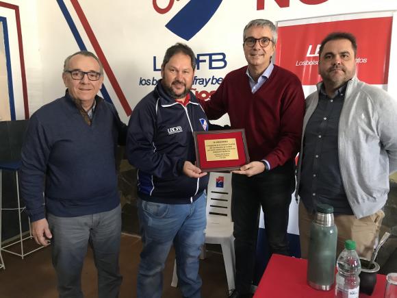 López Rubio, Decurnex y Taramasco durante la visita a Fray Bentos  junto al cónsul César Buschiazzo.