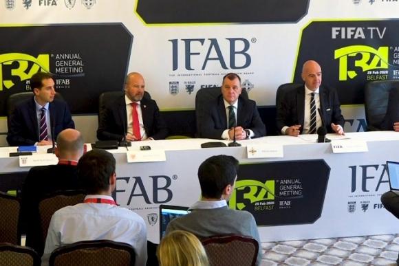 IFAB extiende la regla de los cinco cambios