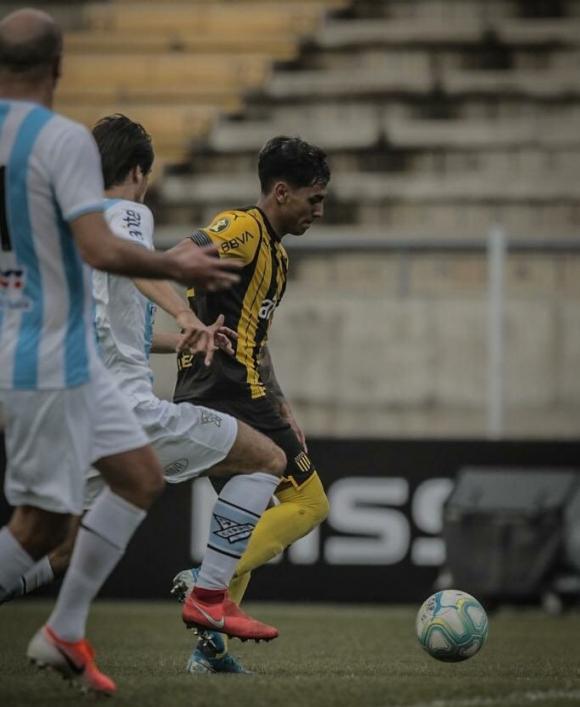 Facundo Torres volvió a convertir en Peñarol, esta vez frente a Cerro. Foto: @OficialCAP.