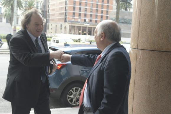 Eduardo Lust y Guillermo Domenech este lunes en la Torre Ejecutiva. Foto: Gerardo Pérez