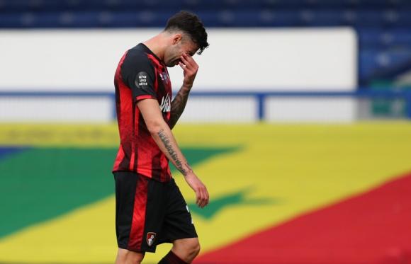 El lamento de los jugadores del Bournemouth tras el descenso. Foto: Reuters.