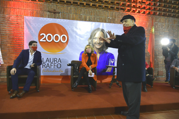Julio María Sanguinetti en acto en apoyo a la candidatura de Laura Raffo a la IMM. Foto: Fernando Ponzetto