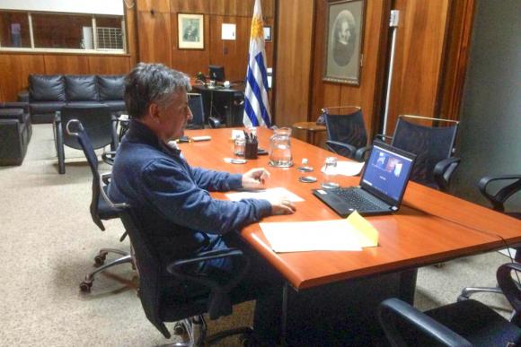 El ministro Paganini dijo que el desarrollo de las mipymes es estratégico para el gobierno. Foto: El País