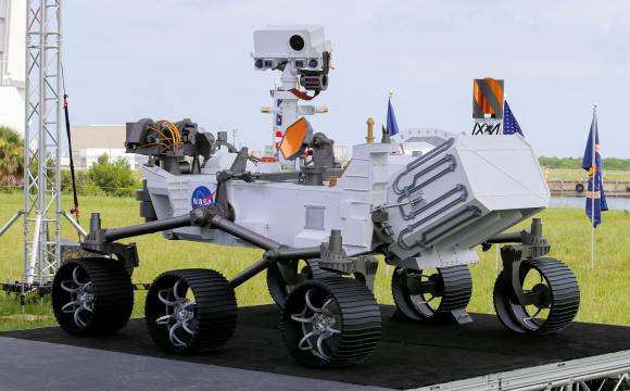 Réplica del Mars 2020 Perseverance Rover en el Centro Espacial Kennedy. Foto: Reuters.