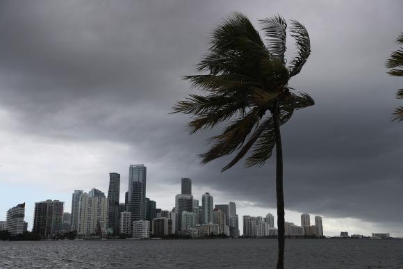 Florida se prepara para la llegada de la tormenta tropical. Foto: AFP