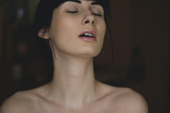 Qué es el 'squirt' y en qué se diferencia de la eyaculación femenina? - Eme  - 18/10/2020 - EL PAÍS Uruguay