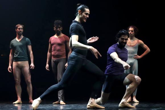 """El lado """"B"""" de Cavani: promueve el ballet masculino en Uruguay tras sus  años en París - Ovación - 10/09/2020 - EL PAÍS Uruguay"""