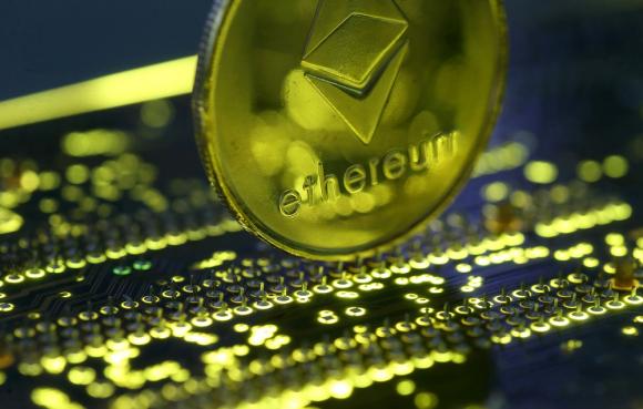 La representación de la moneda virtual Ethereum. Foto: Reuters.