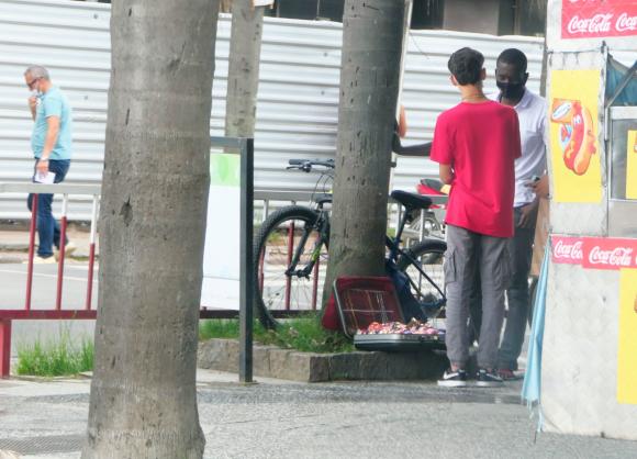 6043e861d1650 - Cientos de cubanos llegan a Chuy y Rivera; sin visa ni trabajo muchos quieren volverse