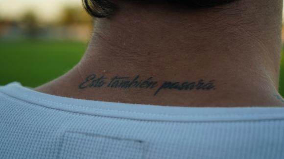 Uno de los 15 tatuajes que tiene Nahuel Tuya. Foto: Mateo Vázquez.