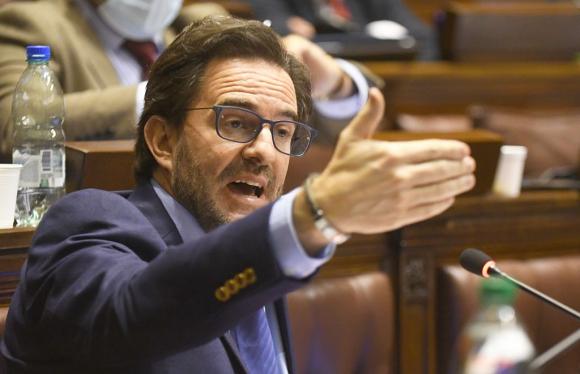 Germán Cardoso habla en la Cámara de Diputados. Foto: Marcelo Bonjour