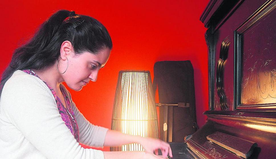 Mayra Hernández