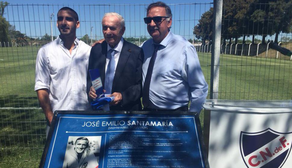 Nacional homenajeó a José Emilio Santamaría. Fotos: @nacional