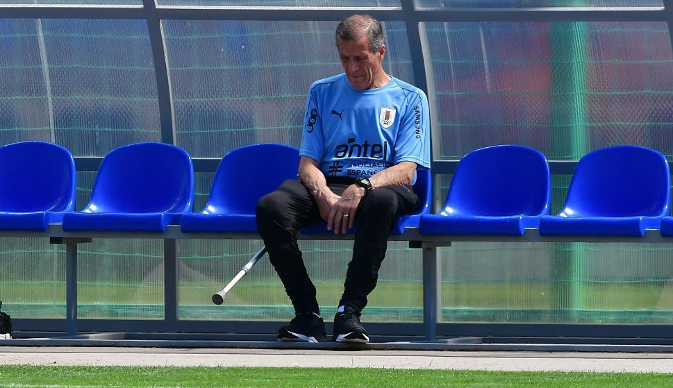 ¿Seguirá sentándose en el banco de la selección uruguaya el maestro Óscar Tabárez luego de Rusia 2018? Foto: Nicolás Pereyra