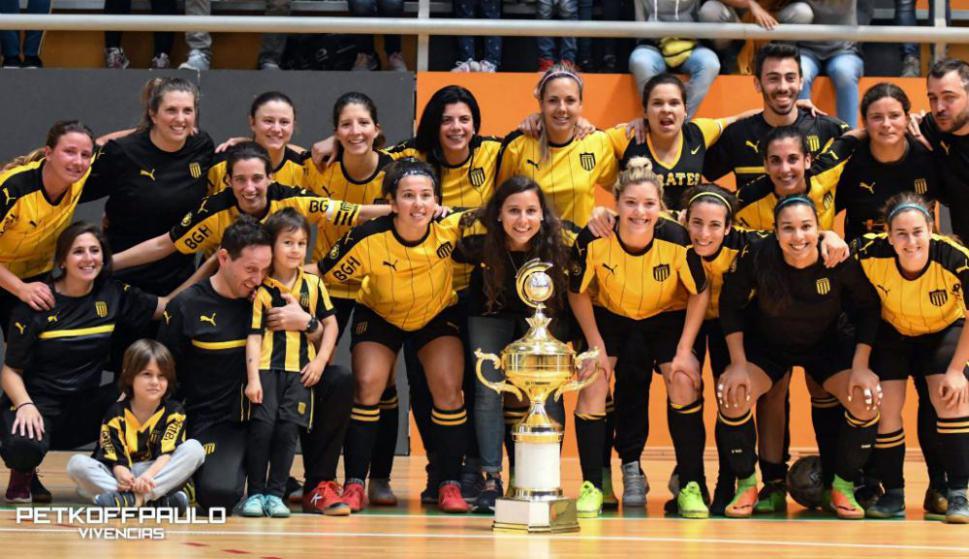 Peñarol se quedó con el título y jugará la próxima Copa Libertadores. Foto   Paulo af8b6bd1d44fb