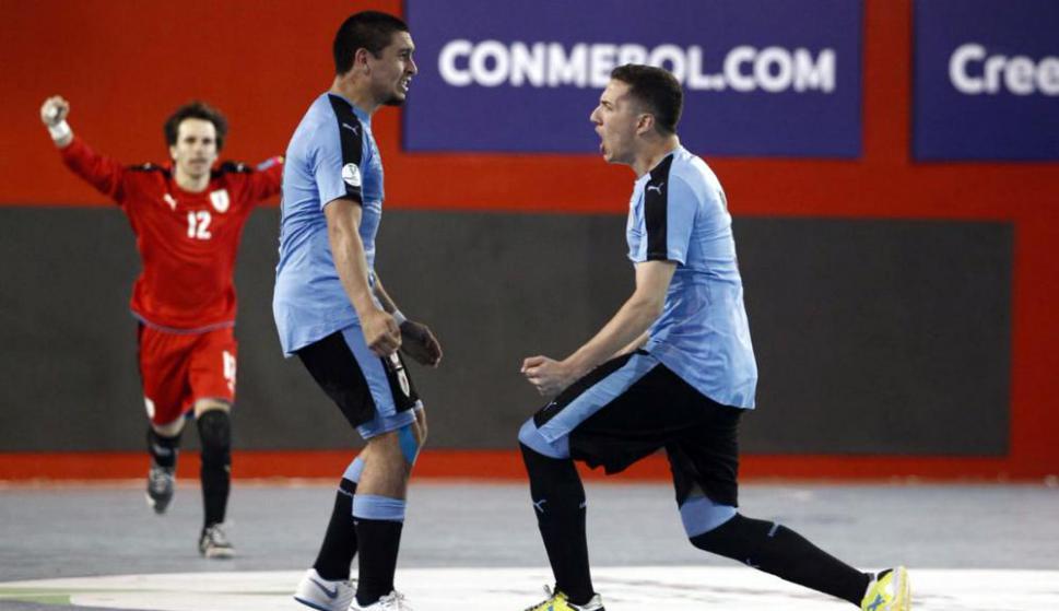 Uruguay le ganó a Ecuador y sueña con clasificar a semifinales. Foto: FPF