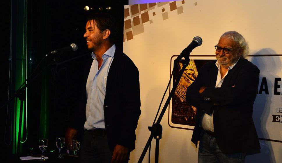 Marcelo Gallardo y Ricardo Alarcón en los premios de la Encuesta El País