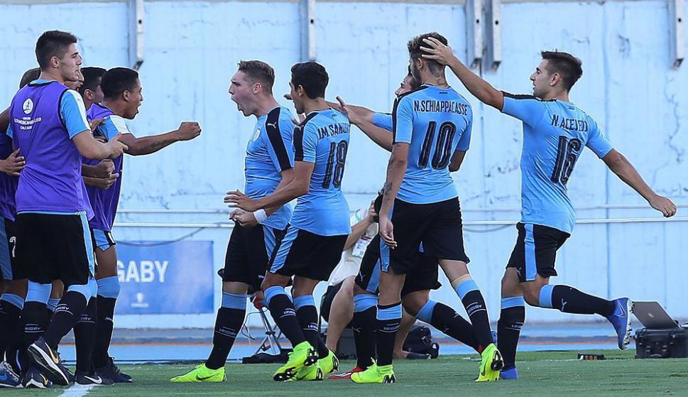 Emiliano Gómez en el partido de Uruguay en el Sudamericano Sub 20