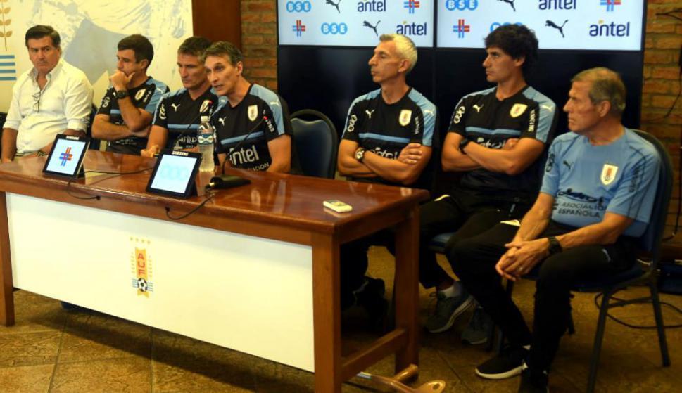 Juan Carlos García, Axel Ocampo, Pablo Alonso, Carlos Nicola, Gustavo Ferreyra, Andrés Larrosa y Diego Estavillo en la selección Sub 20