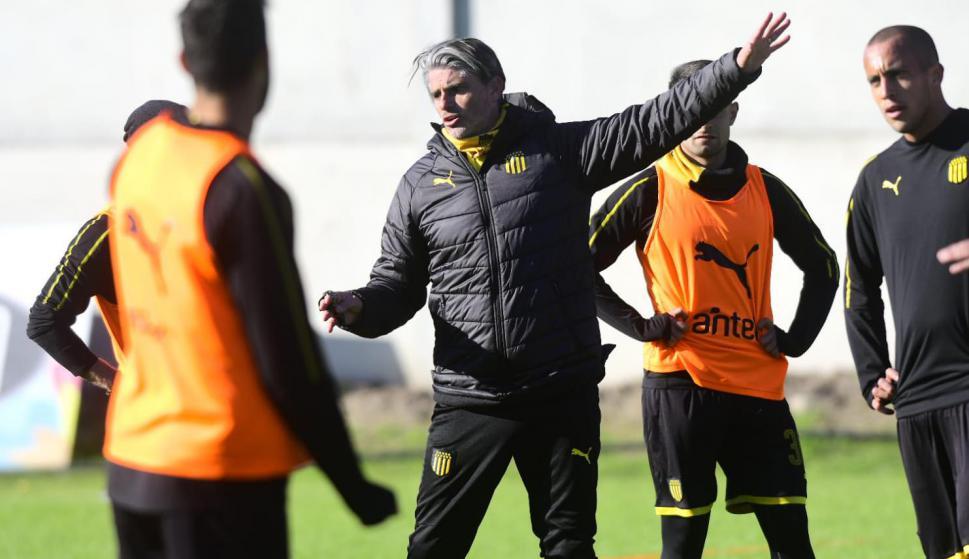 Diego López en el entrenamiento de Peñarol en Los Aromos