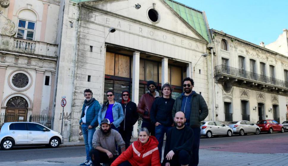 Colectivo reconstruye el Teatro Odeón