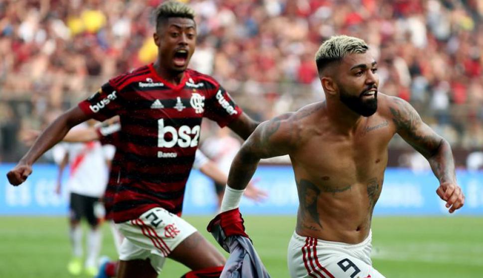 El festejo de Gabriel Barbosa en el duelo entre River Plate y Flamengo. Foto: Reuters.