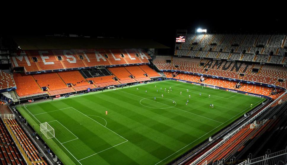 Mestalla vacío en el partido por Champions entre Valencia y Atalanta en prevención por el coronavirus. Foto: AFP
