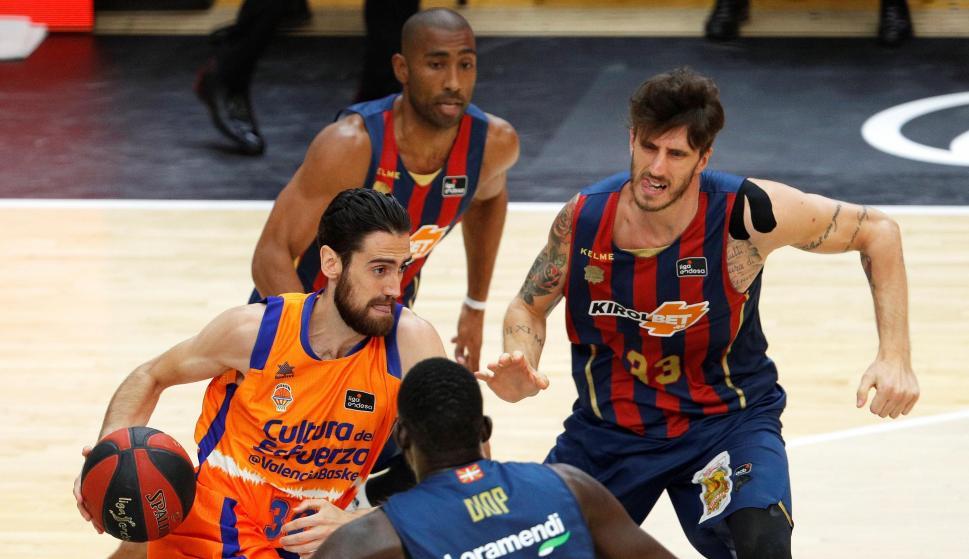 Baskonia venció a Valencia y jugará la final de la Liga ACB. Foto: EFE.