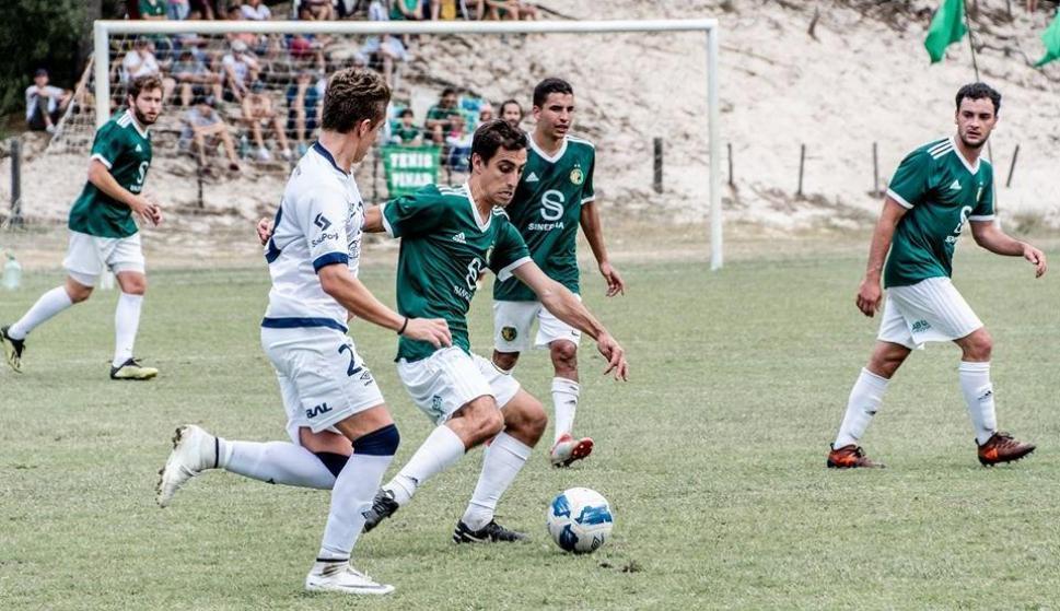 Incidencia de un partido de la Liga Universitaria entre Tenis El Pinar y Playa Honda. Foto: Prensa Liga Universitaria.