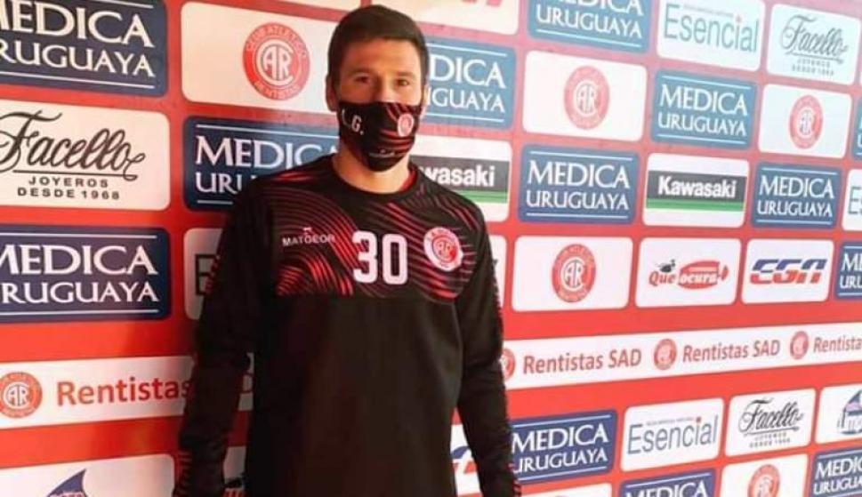 Primer día. Romero no había firmado contrato, pero igualmente de inmediato se puso a disposición de Cappuccio.