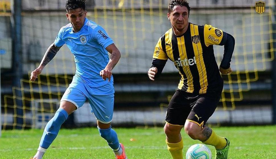 Cristian Rodríguez volvió a jugar y tuvo minutos en el amistoso de Peñarol. Foto: @OficialCAP.