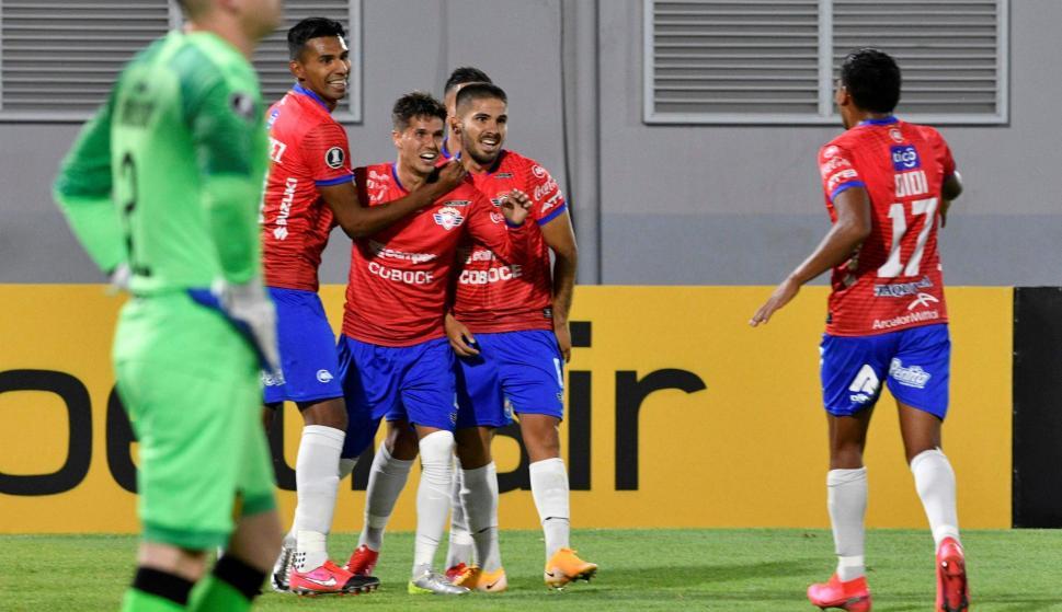 Otro mazazo: Wilstermann estira la ventaja en Cochabamba ante Peñarol - Ovación - 24/09/2020 - EL PAÍS Uruguay