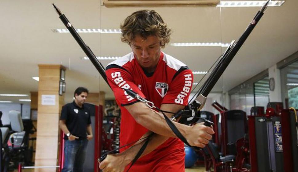Diego Lugano entrena en las instalaciones de São Paulo. Foto: Rubens Chiri/saopaulofc.net