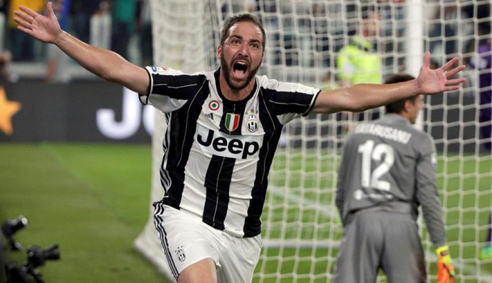 Gonzalo Higuaín festejando su gol con la Juventus. Foto: Reuters
