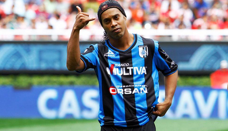 Ronaldinho, en el Querétaro mexicano. Foto: Archivo El País.