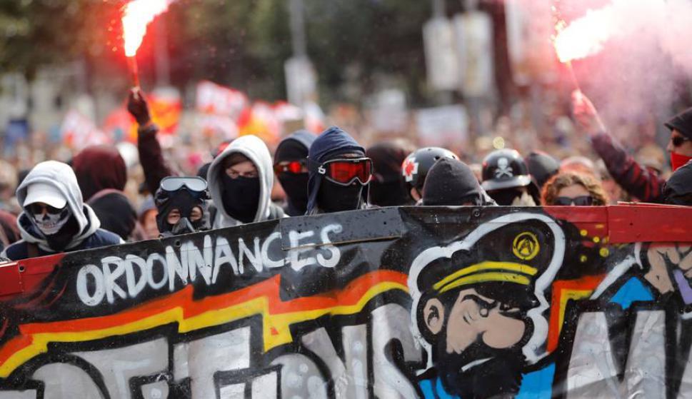 Manifestaciones contra la reforma laboral de Macron. Foto: Reuters.