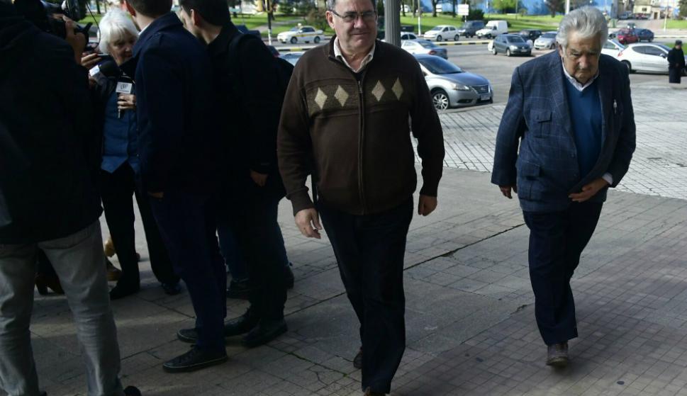 José Mujica llega al Palacio Legislativo. Foto: Fernando Ponzetto.
