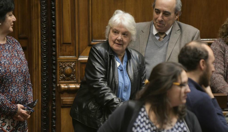 Lucía Topolansky llega a la Asamblea general, donde será proclamada vicepresidenta. Foto: Francisco Flores.