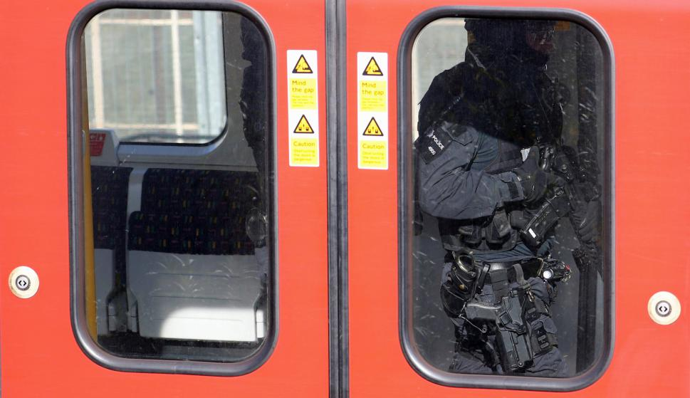 La policía de Londres encuentra el artefacto que explotó en Parsons Green. Foto: Reuters