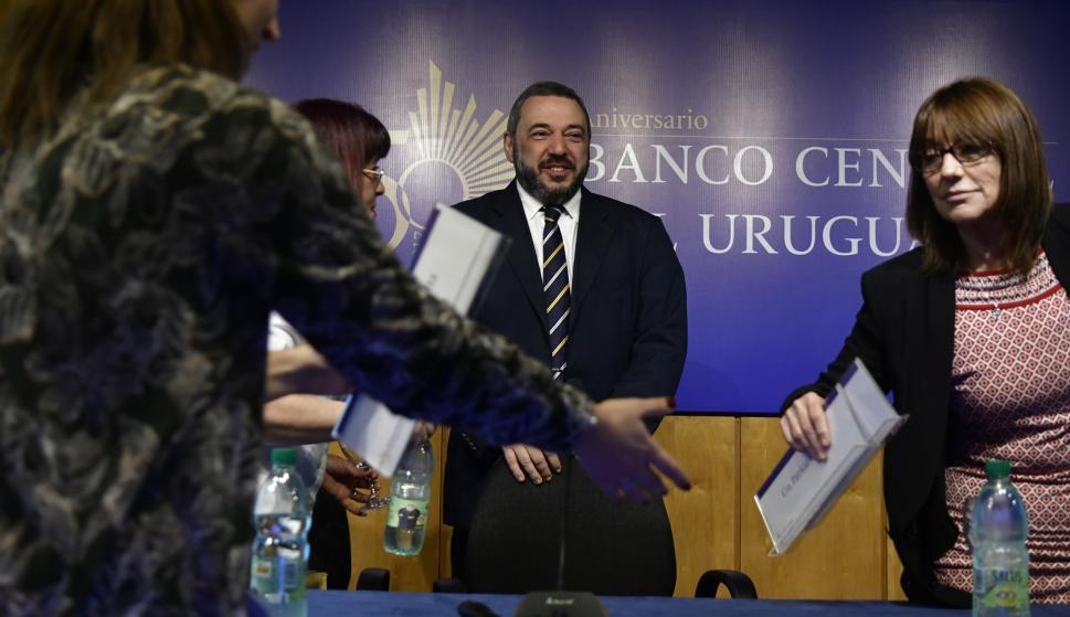 Conferencia de Mario Bergara sobre los desafios de las nuevas tecnologias en la actividad del Banco Central en el cierre de las VI Jornadas de Derecho Bancocentralista, en el BCU. Foto: Fernando Ponzetto