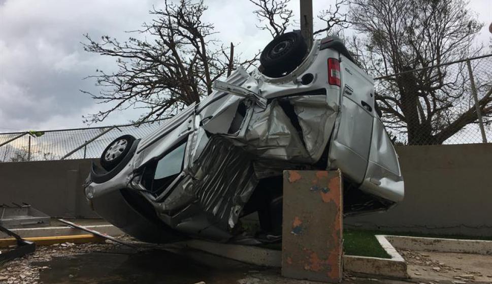 El huracán causó destrozos en todo el lugar. Foto: EFE