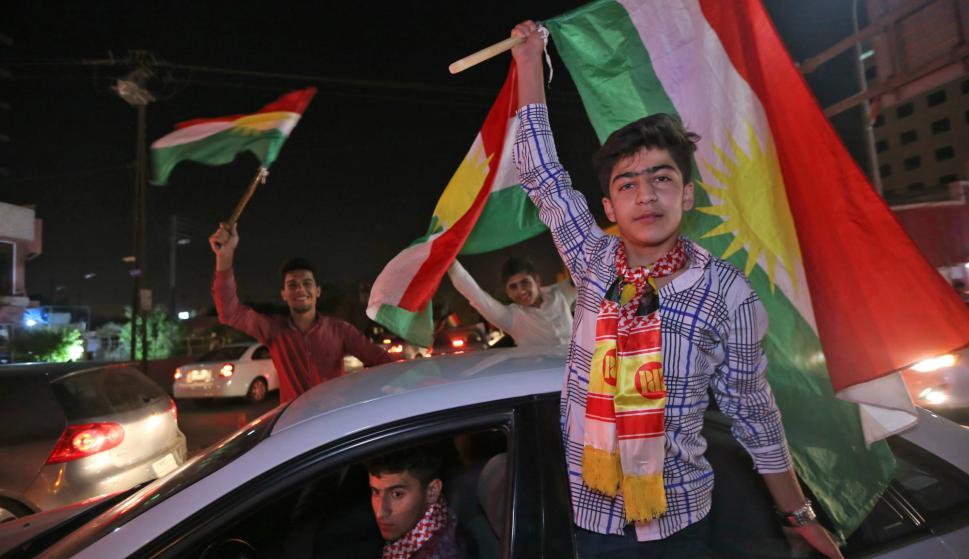 Tras conocerse los datos de participación en el referéndum, los kurdos en Irak salieron a festejar. Foto: AFP.