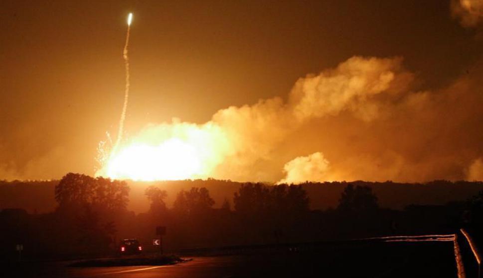 El depósito tenía unas 188.000 toneladas de municiones. Foto: EFE