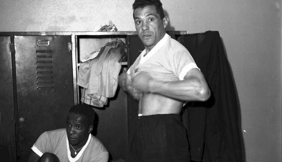 Obdulio Varela en el vestuario de la selección uruguaya. Foto: Archivo El País