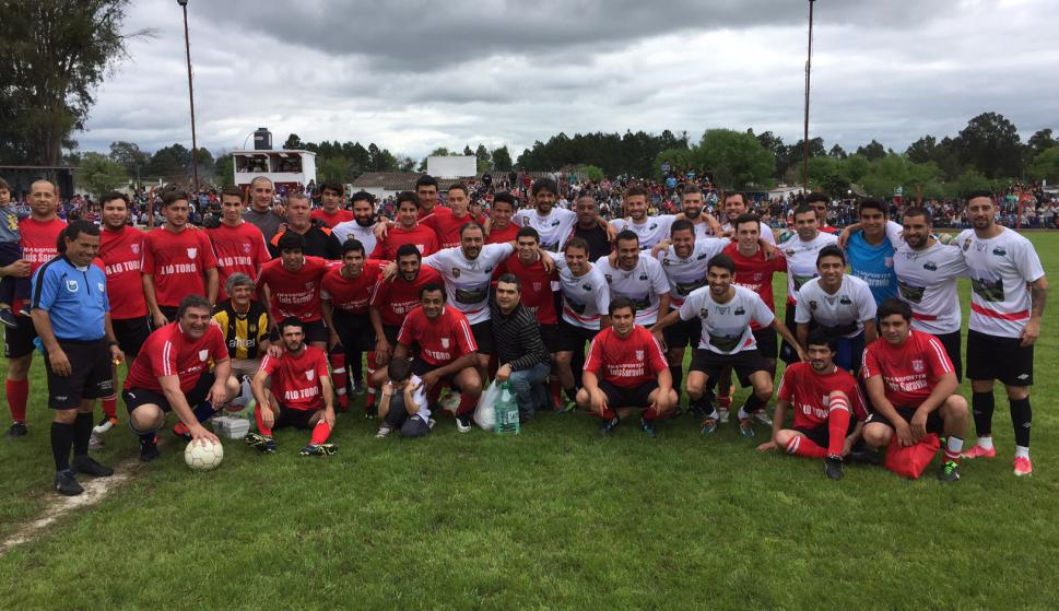 El evento con Recoba, Pacheco, Botana y Yurramendi en Cerro Largo. Foto: Nestor Araujo