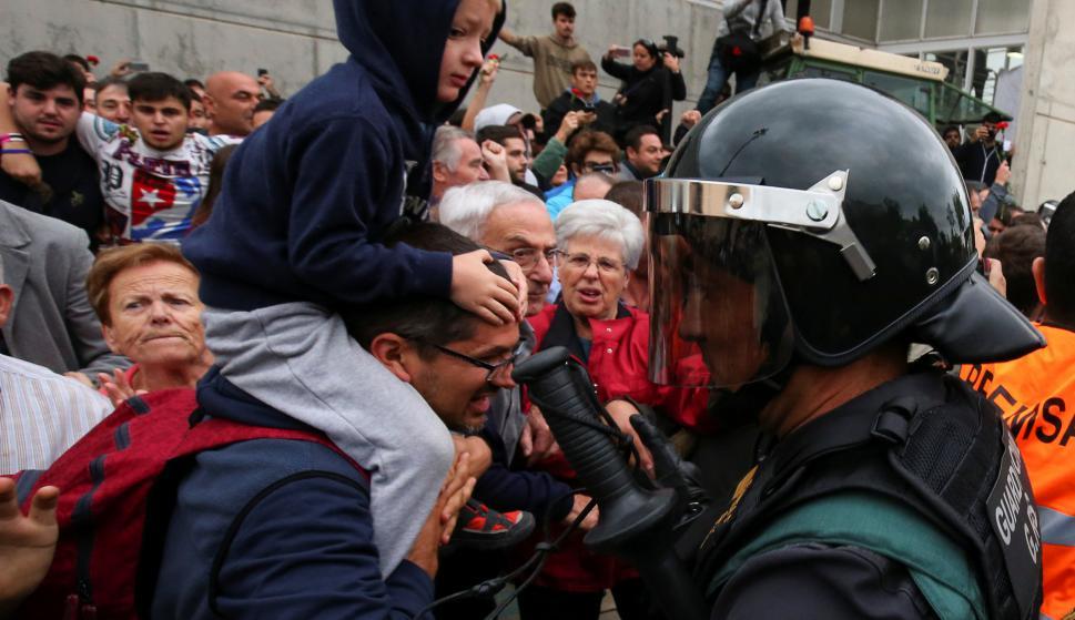 Clima de máxima tensión en España. Foto: Reuters