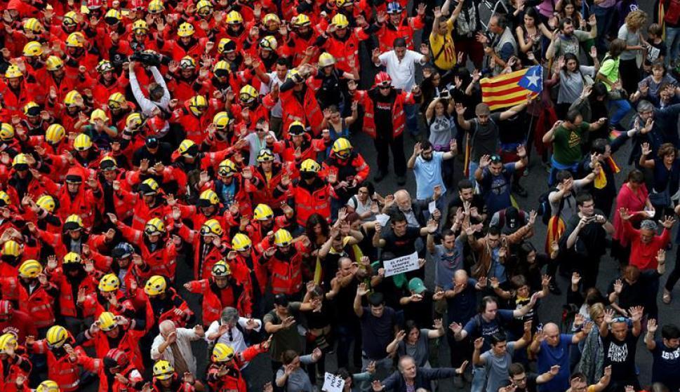 Los bomberos también paran y se manifiestan. Foto: EFE